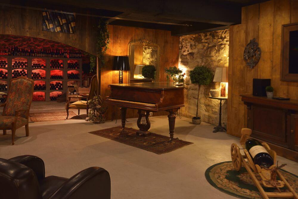 Cave à champagne Vert et Or accueil avec piano